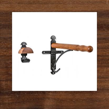 Sattelhalter und Trensenhaken aus Holz